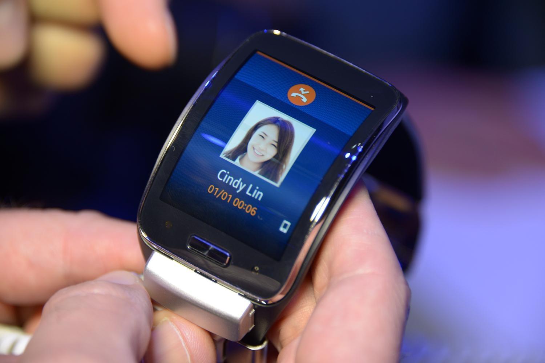 Samsung gear s vs apple iwatch fecha de lanzamiento for Especificaciones iwatch