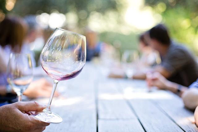 El Vino Vinturi Aireador - ¿Cómo Esta Gran Regalo de Trabajo para Eliminar la Necesidad de un Decantador de Vino?