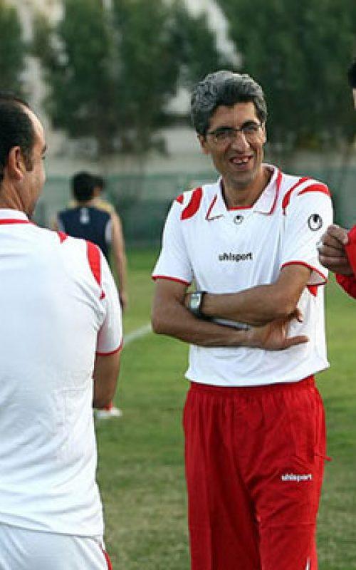 Entrenadores de fútbol iraníes deben asistir a cursos de entrenamiento avanzadas