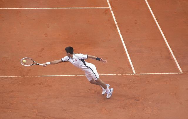 Económica y de toda la ronda de entrenamiento en el tenis en línea con video lecciones de tenis