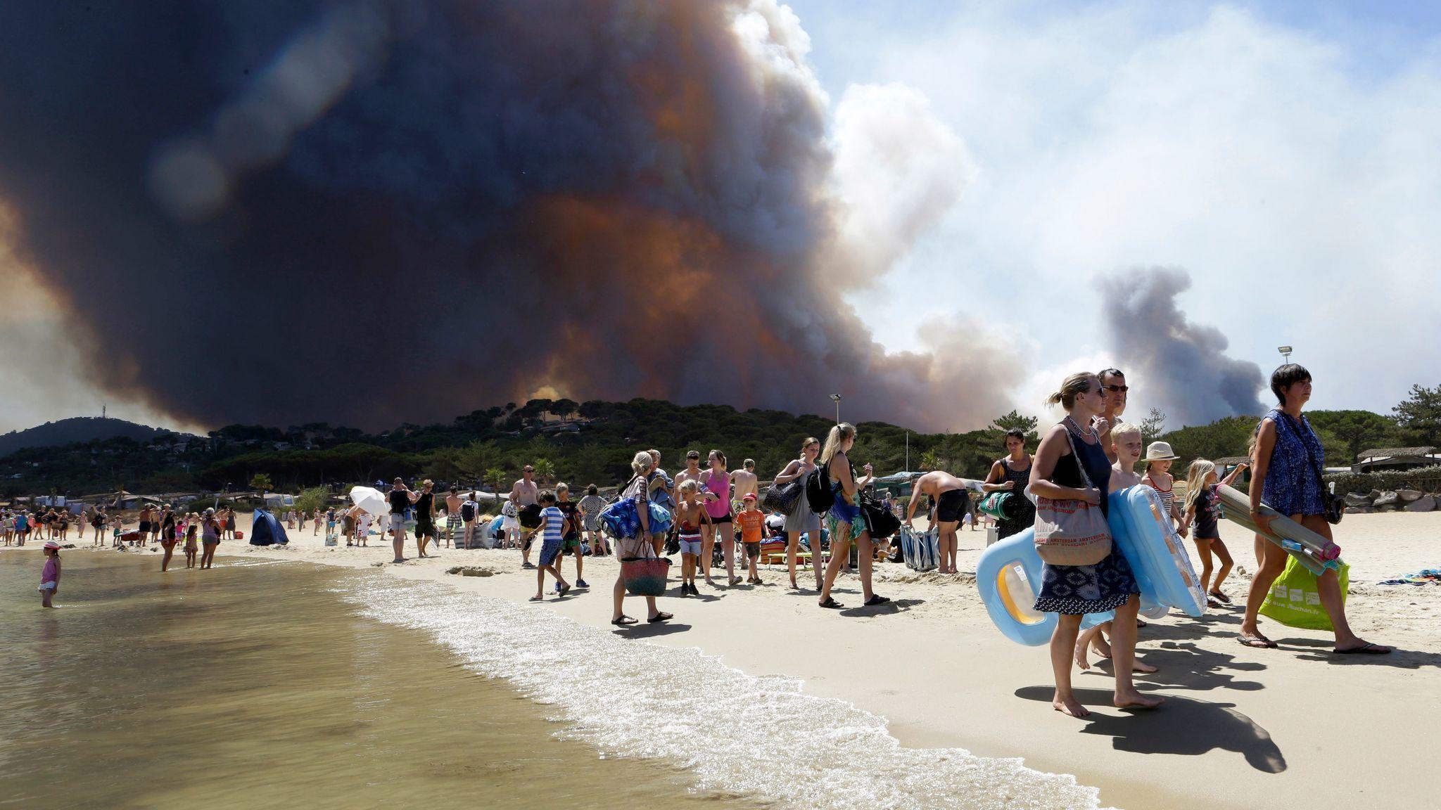 Riviera Francesa – El Sur de Francia Golpeado Por Incendios Incontrolables
