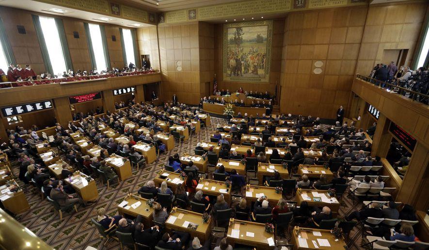 Proyecto de Ley de Aborto de Oregón Abre Puertas Para Inmigrantes Ilegales