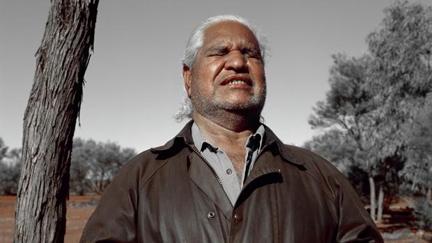 Australia del Sur: Cientos de personas van al funeral del líder aborigen