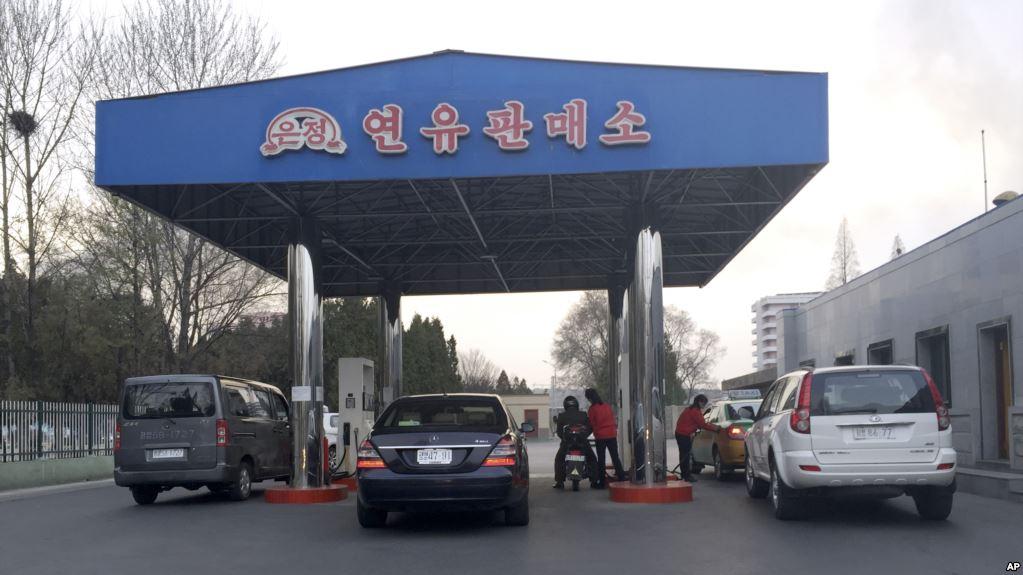 """Trump Reclama Que Se Forman """"Largas Filas para Gas"""" En Corea del Norte – Desencadena Preguntas"""