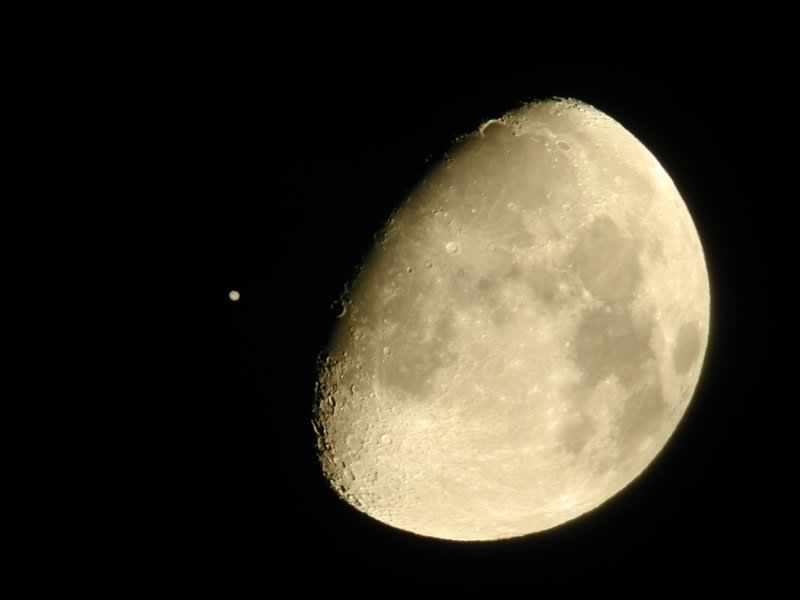 Ocultación de la Luna: Tres Planetas Se Deslizarán Detrás de la Luna