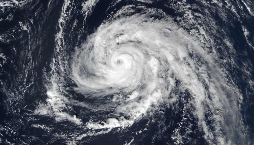 171014153621-hurricane-ophelia-101317-super-tease