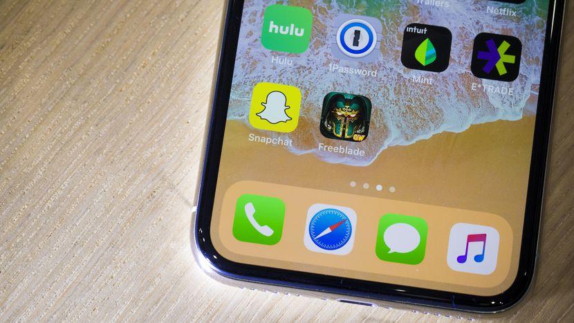 Apple Lucha para Lanzar el iPhone X Al Mercado A Tiempo