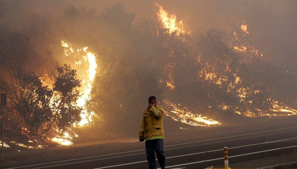 california-wildfires-01-ap-jef-171009_4x3_992