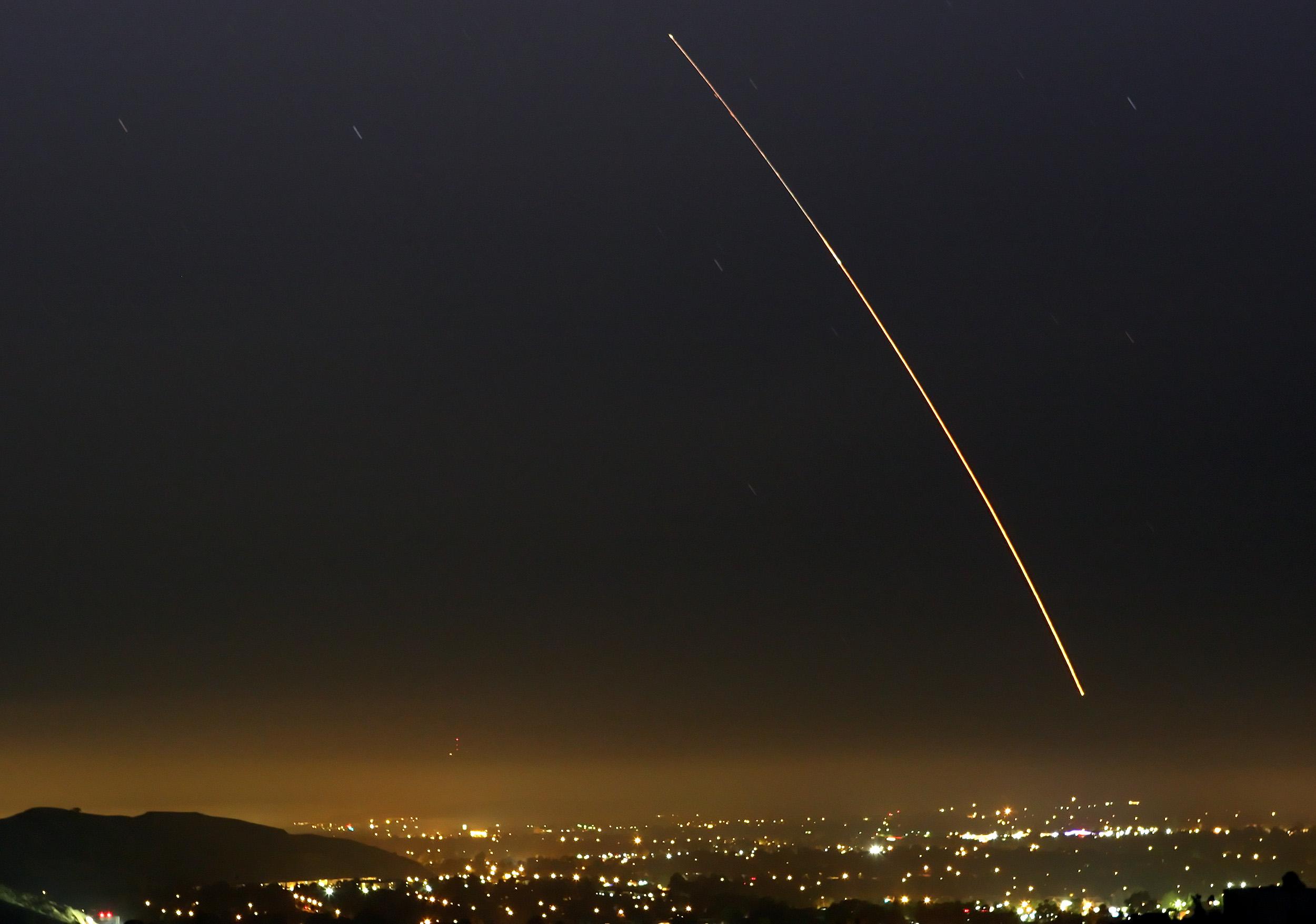 Corea del Norte Ataca de Nuevo: Misil Balístico Disparado desde Pyongsong