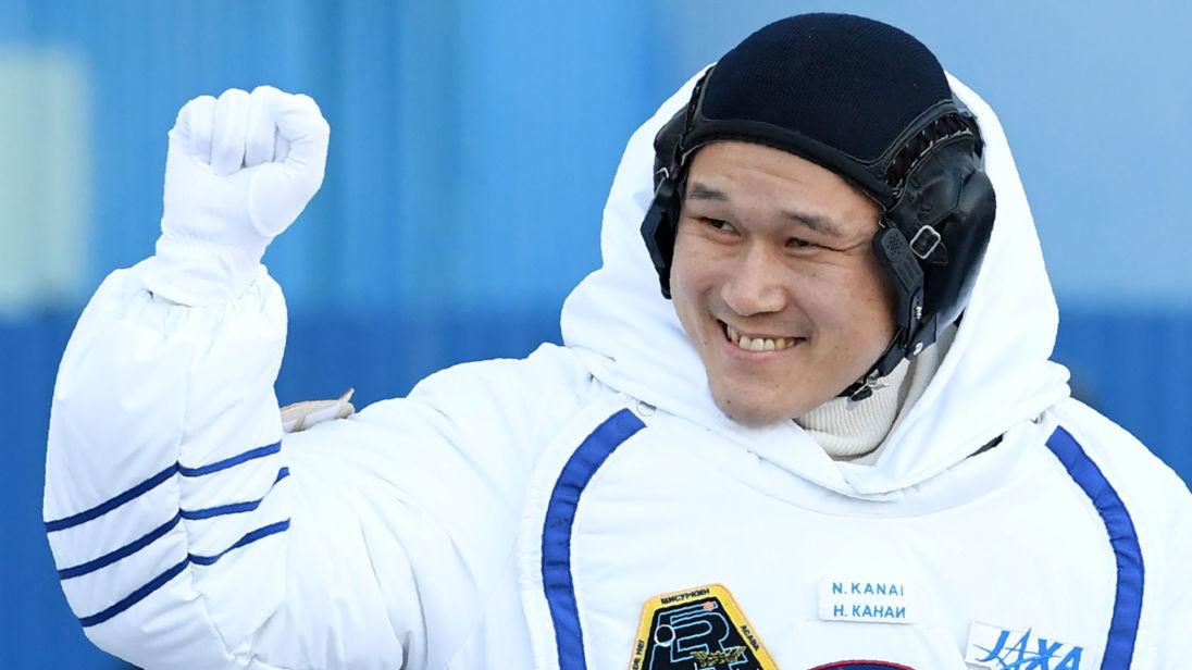 Astronauta Japonés Crece 3.5 Pulgadas En el Espacio - ¿O no?