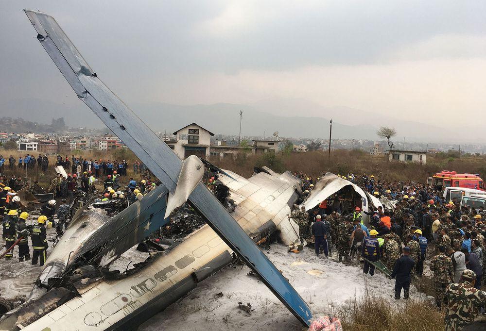 Avión de Pasajeros se Incendia en el Aeropuerto de Katmandú