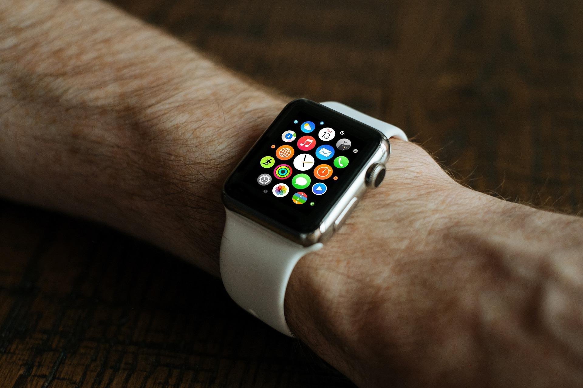 Apple Watch detecta condición de tiroides en mujer y salva su vida