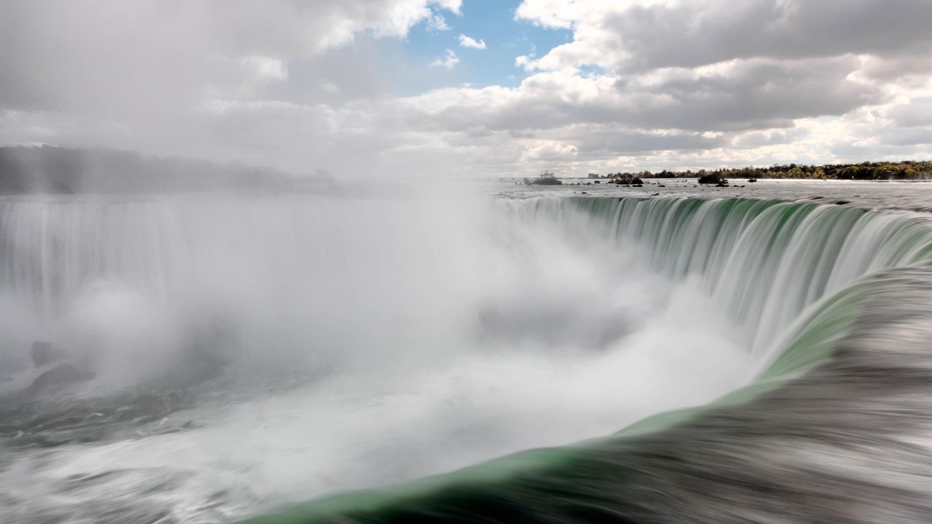 Visita las Cataratas del Niágara desde una perspectiva diferente: tirolesa
