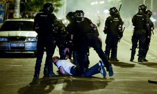 Diaspora-protest-in-Bucharest-ends-with-riot-police-intervention-Inquam-Photos-Alberto-Grosescu-copy