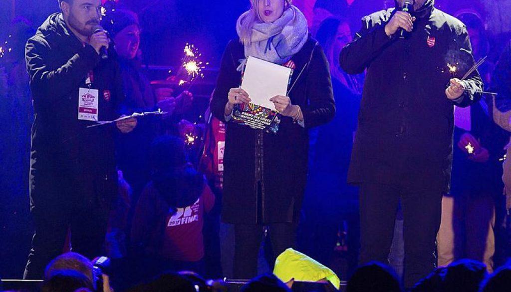 Alcalde de la ciudad polaca, Gdansk, murió después de ser apuñalado en el escenario