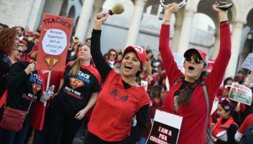 Profesores de LA llegan a un acuerdo con LAUSD que podría poner fin a su huelga