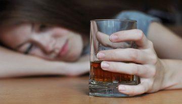 El consumo excesivo de alcohol en la adolescencia puede causar daños irreparables