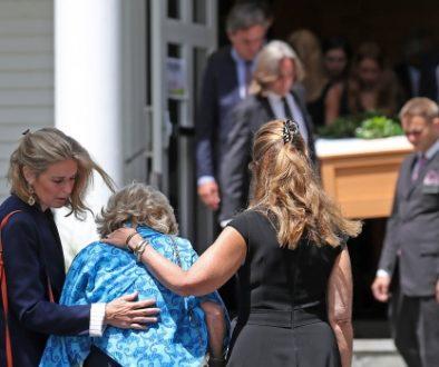 La familia Kennedy entierra a otro miembro de la familia